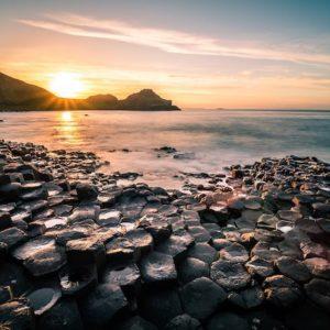 世界で2番目に大きい一枚岩。オーストラリア中央部ウルル