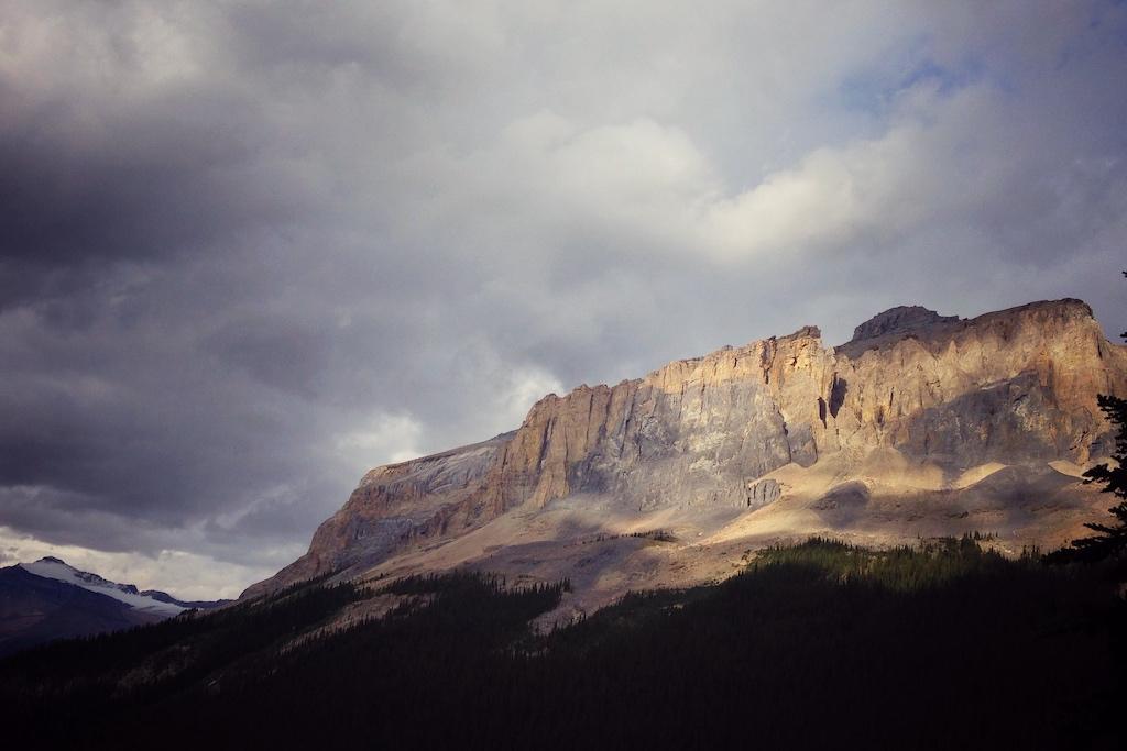 バージェス山(カンブリア時代の化石産地)