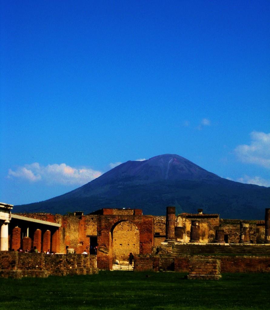ベスビオ火山とポンペイの遺跡
