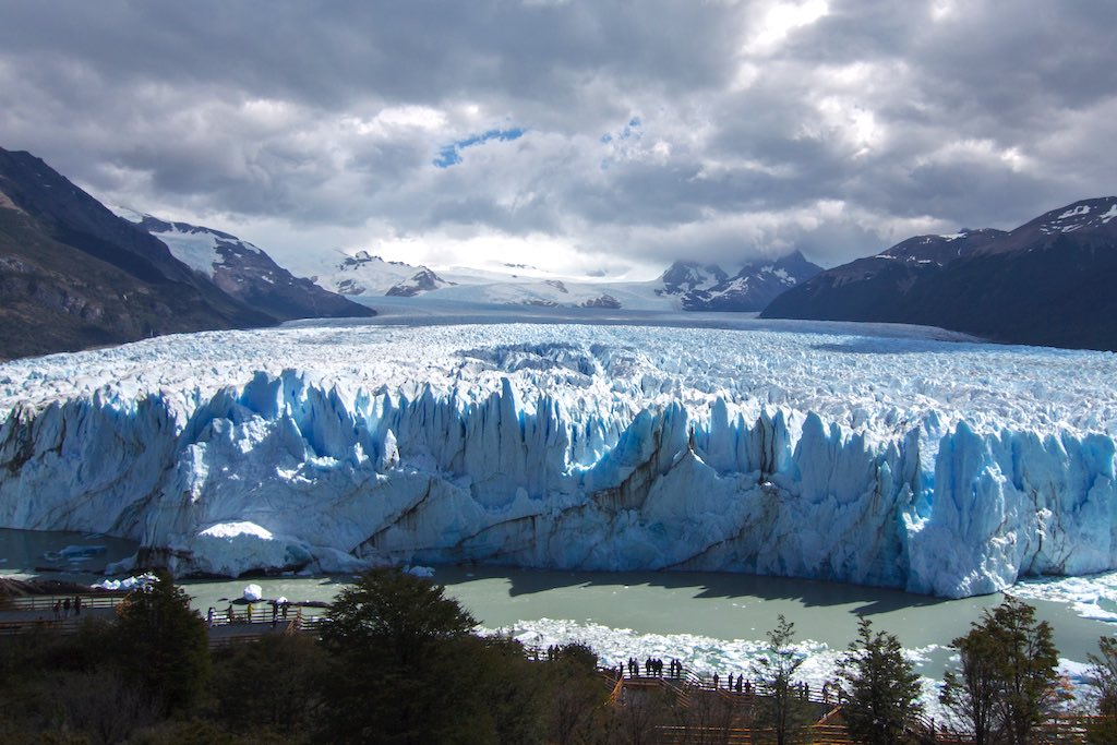 アルゼンチンのペリート・モレノ氷河全景