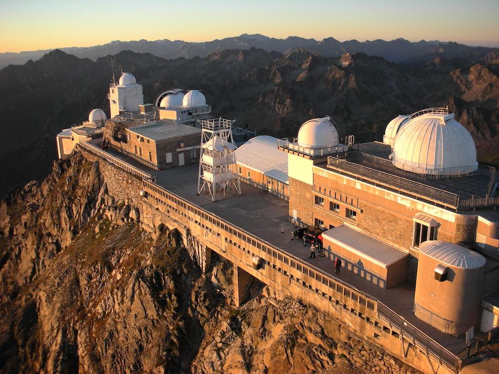 ピク・デュ・ミディ山頂の天文台