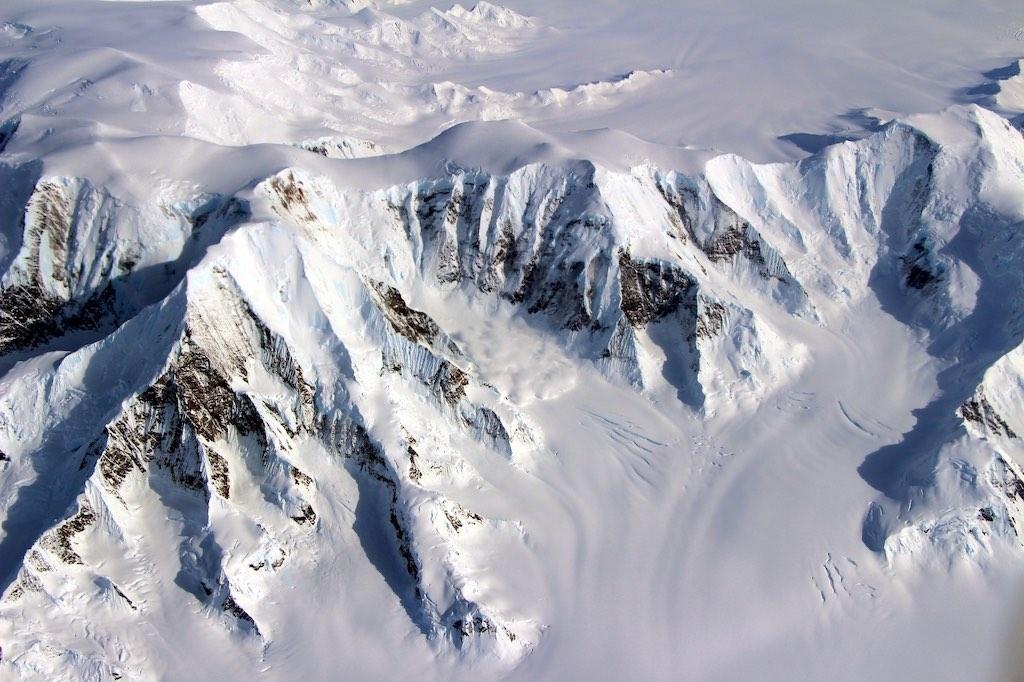 南極大陸の山岳地帯