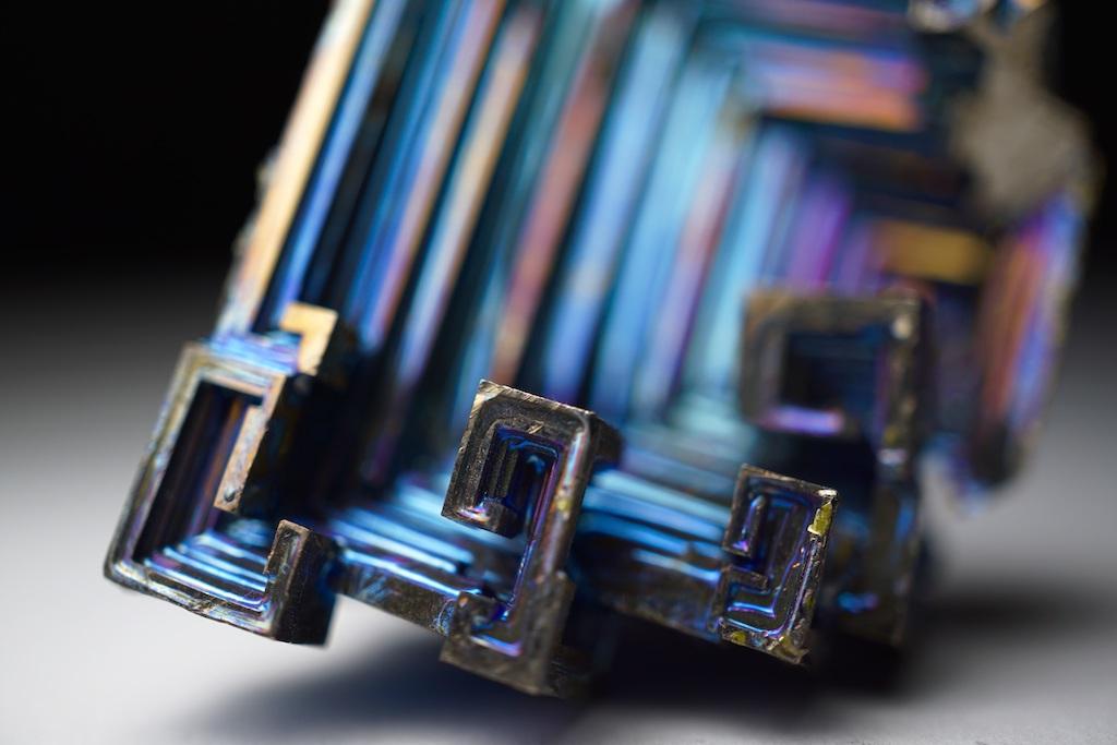 ビスマス金属結晶